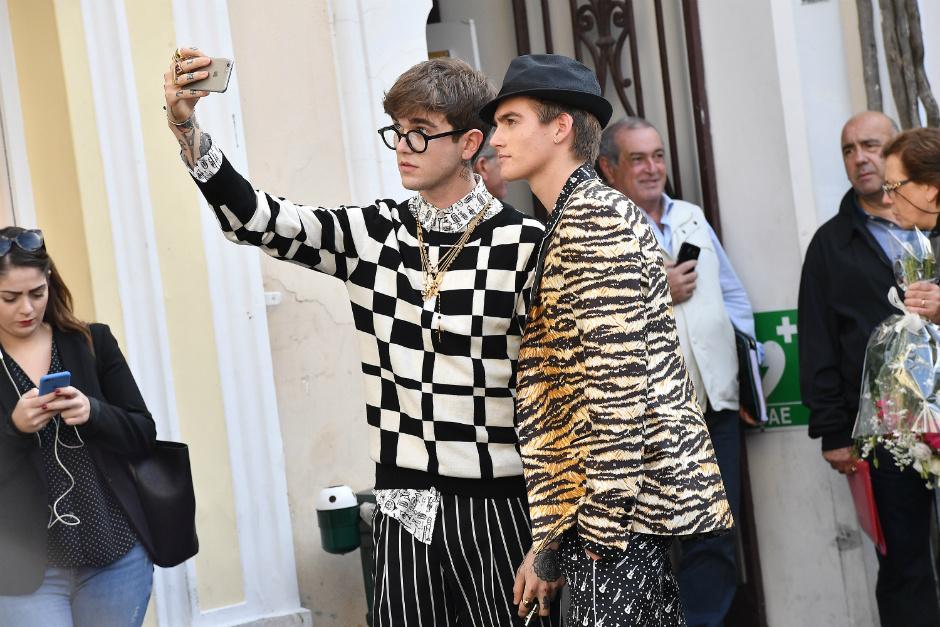 сыновья известных родителей в рекламе Dolce & Gabbana