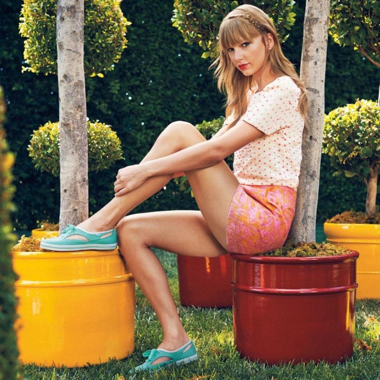 Тейлор Свифт красивые ноги знаменитостей