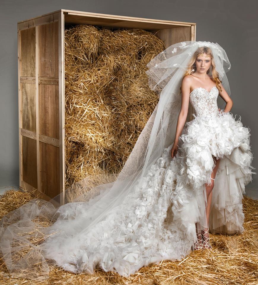 Свадебное платье с разноуровневым подолом