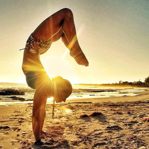 ВСТАЛА В ПОЗУ: 7 мотивирующих йога-аккаунтов | галерея [2] фото [3]
