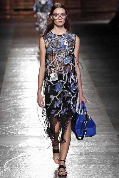 50 лучших платьев Недели моды в Милане | галерея [1] фото [45]