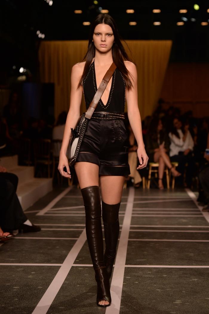 Кендалл Дженнер на показе Givenchy весна-лето 2015