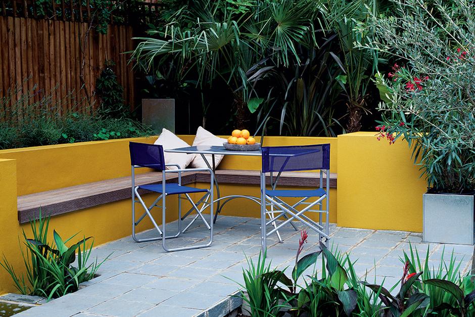 Патио в загородном доме