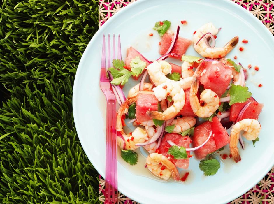 Салат из арбуза и креветок