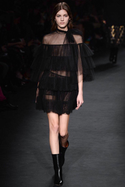 Неделя моды в Париже: показ Valentino ready-to-wear осень — зима 2015-2016 | галерея [1] фото [23]