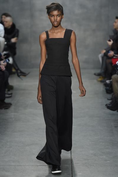Самые роскошные вечерние платья Недели моды в Нью-Йорке | галерея [4] фото [6]
