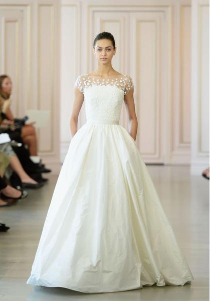 Дом Oscar de la Renta представил новую свадебную коллекцию | галерея [1] фото [9]