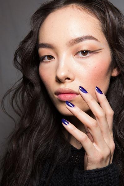 Бьюти-тренды всех Недель моды fw 2015 | галерея [11] фото [3] Anna Sui