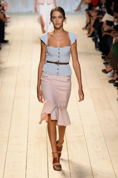 Показ Nina Ricci на Неделе моды в Париже