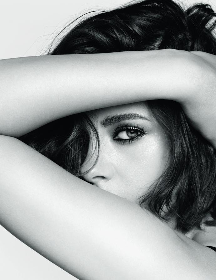Кристин Стюарт стала новым лицом коллекции макияжа Chanel
