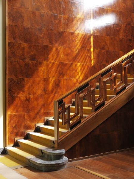 Фрагмент парадной лестницы.