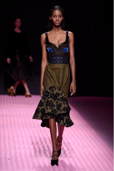 Показ Mary Katrantzou на Неделе моды в Лондоне | галерея [1] фото [17]