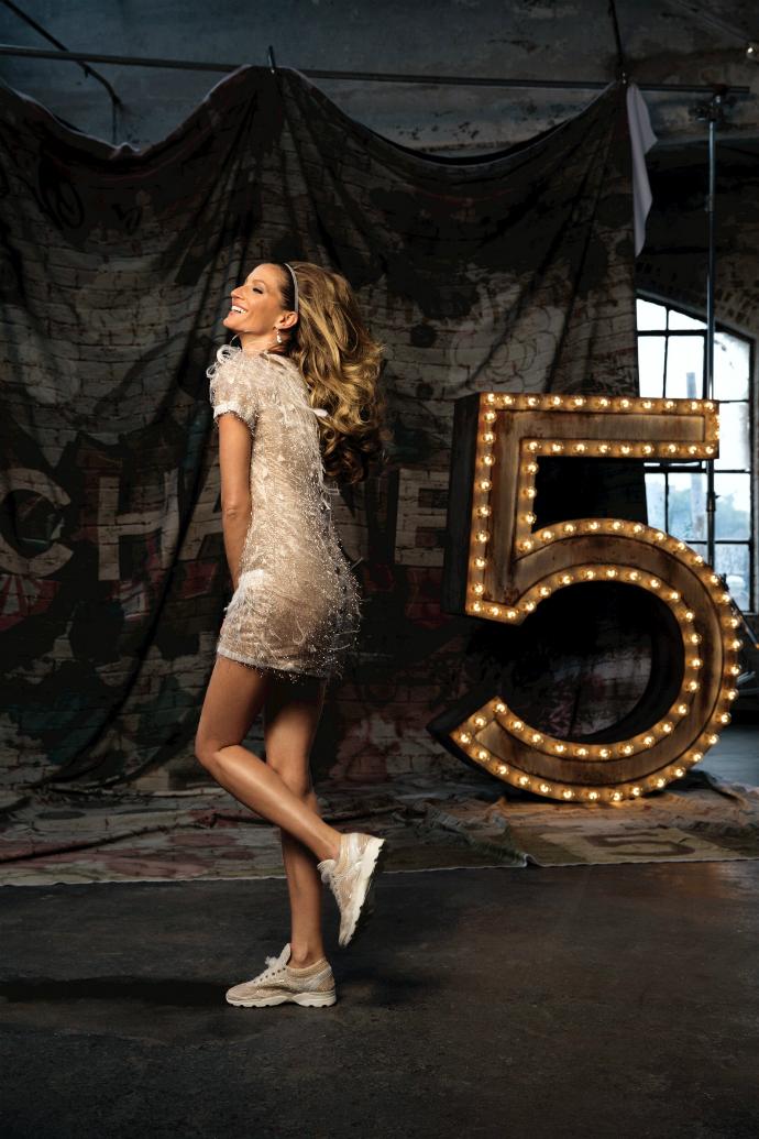 Жизель Бундхен в рекламной кампании аромата Chanel №5