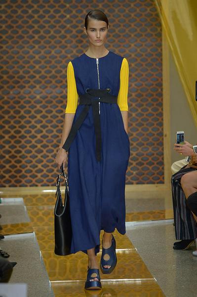 Неделя моды в Милане: день третий   галерея [2] фото [5]