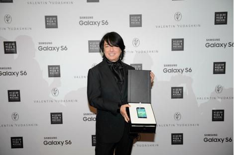 Смарт-fashion: Samsung выступил на Неделе моды в Москве | галерея [1] фото [1]