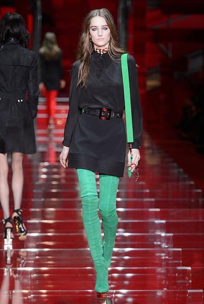 Показ Versace на Неделе моды в Милане | галерея [1] фото [13]