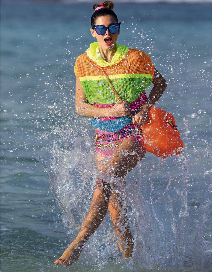 Хит пляжной моды: яркие цвета