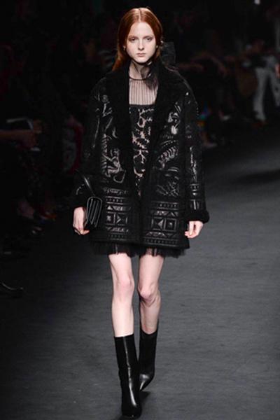 Неделя моды в Париже: показ Valentino ready-to-wear осень — зима 2015-2016 | галерея [1] фото [19]