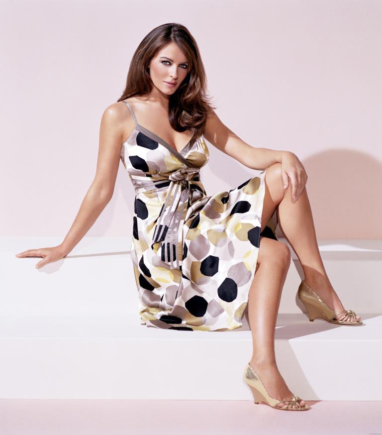 Элизабет Херли красивые ноги знаменитостей