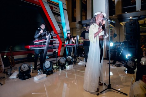 В «Цветном» состоялся концерт группы Clean Bandit | галерея [1] фото [8]