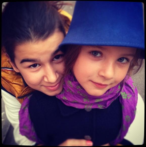 Эрика и Нина Ургант