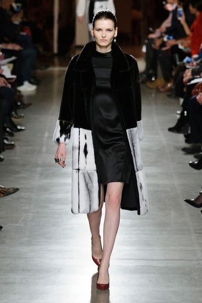 Показ Oscar de la Renta на Неделе моды в Нью-Йорке | галерея [1] фото [45]
