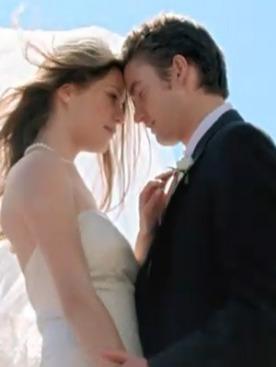 Роберт Бакли и Луиза Педерсен в рекламной видео Tiffany & Co