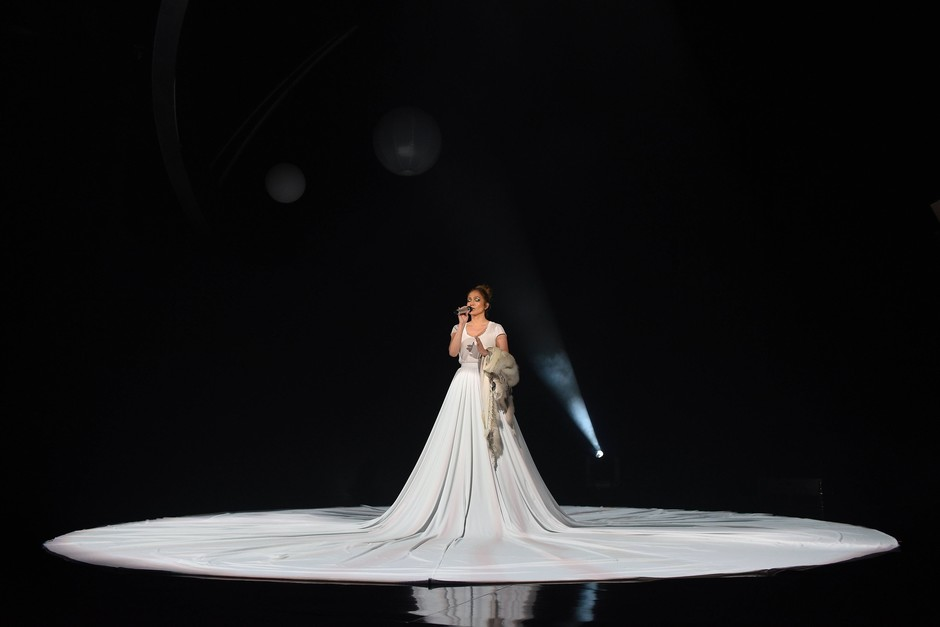 Дженнифер Лопес на сцене American Idol