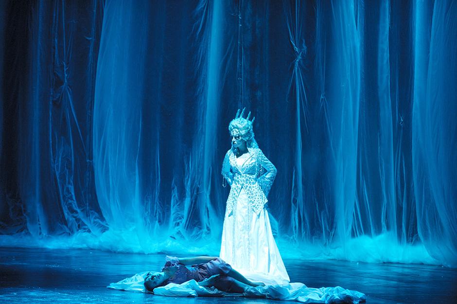 Сцена из спектакля «Снежная королева»