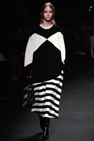 Неделя моды в Париже: показ Valentino ready-to-wear осень — зима 2015-2016 | галерея [1] фото [48]