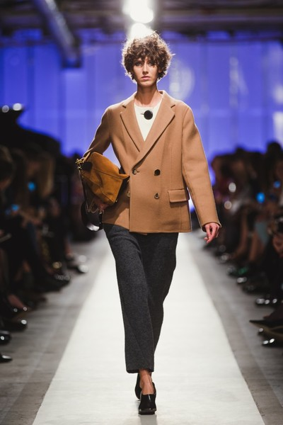 К зиме готовы: модный показ в ЦУМе | галерея [1] фото [28]