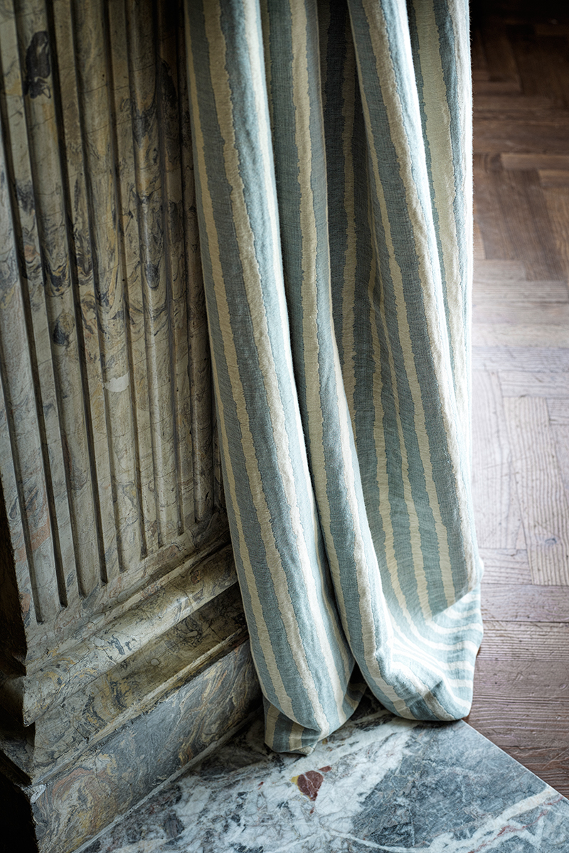 Ткань Alizé, лен и хлопок. Все — коллекция Windrose, Loro Piana Interiors.