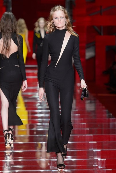 Показ Versace на Неделе моды в Милане | галерея [1] фото [24]