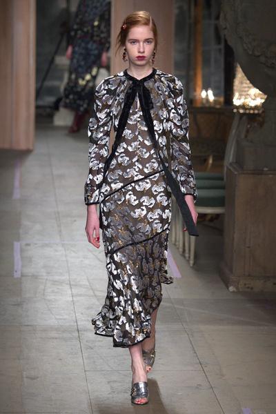 Самые красивые образы Недели моды в Лондоне | галерея [1] фото [76]