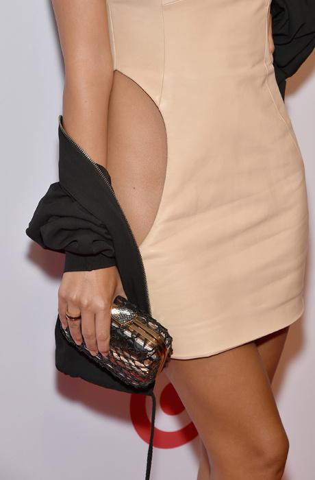Эмили Ратаковски снова появилась на публике в «голом» платье