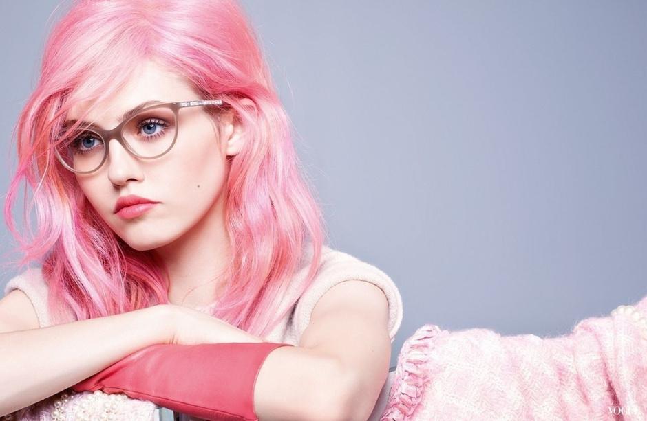 Коллекция солнцезащитных очков и оправ Chanel