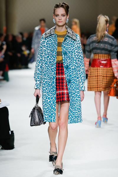 Неделя моды в Париже: показ Miu Miu pret-a-porter осень-зима 2015/16 | галерея [1] фото [33]