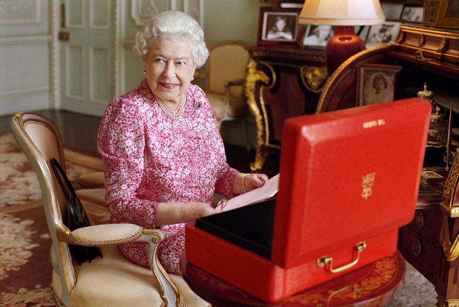 Королева Елизавета II: фото 2015