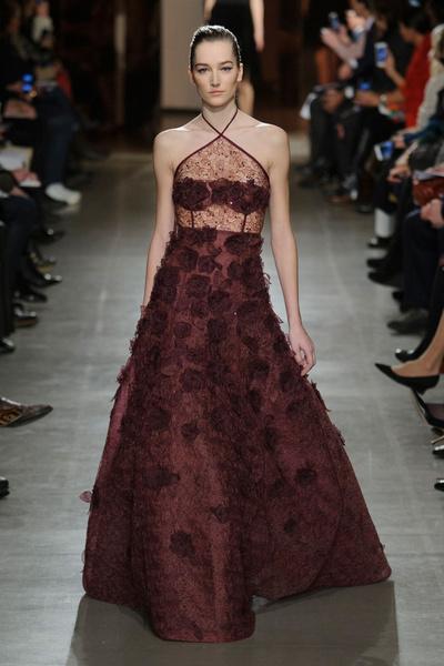 Показ Oscar de la Renta на Неделе моды в Нью-Йорке | галерея [1] фото [11]