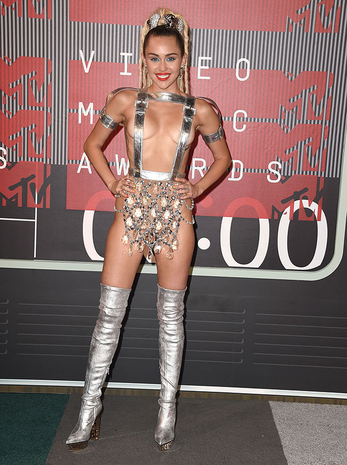 Майли Сайрус в Versace