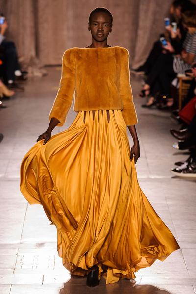 Black tie: показы Carolina Herrera, Reem Acra и Zac Posen на Неделе моды в Нью-Йорке | галерея [1] фото [10]