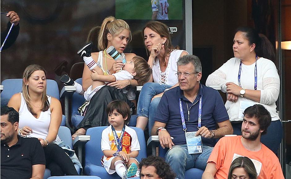 Шакира с сыновьями Миланом и Сашей