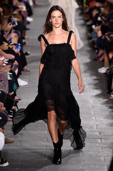 Неделя моды в Милане: день третий   галерея [4] фото [14]