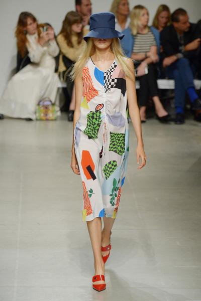 Неделя моды в Милане: день третий   галерея [3] фото [2]