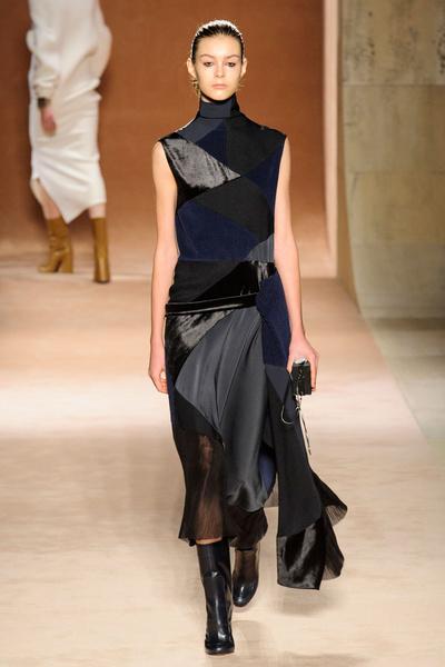 Показ Victoria Beckham на Неделе моды в Нью-Йорке | галерея [1] фото [4]