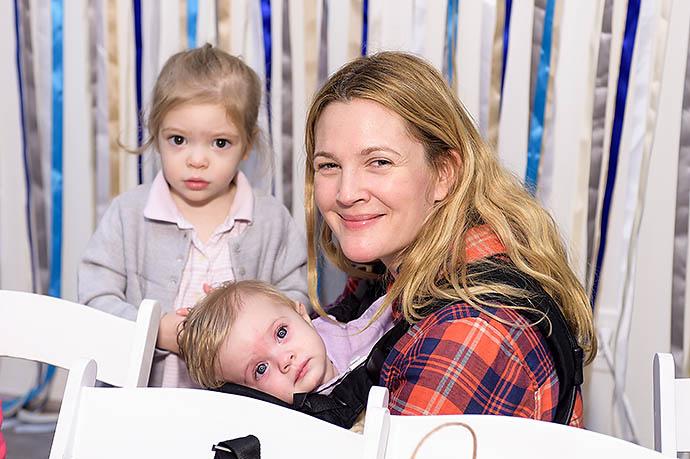 Дрю с дочками Олив и Фрэнки