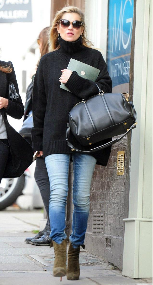 Кейт Мосс на прогулке в Лондоне 7 октября 2014 года