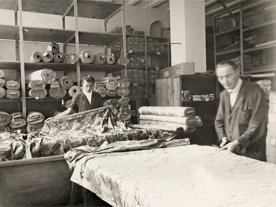 Cклад тканей Rubelli в Милане, 1950 год.