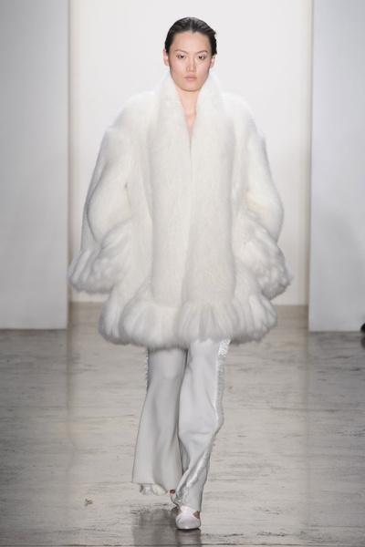 Самые красивые образы Недели моды в Нью-Йорке | галерея [1] фото [38]