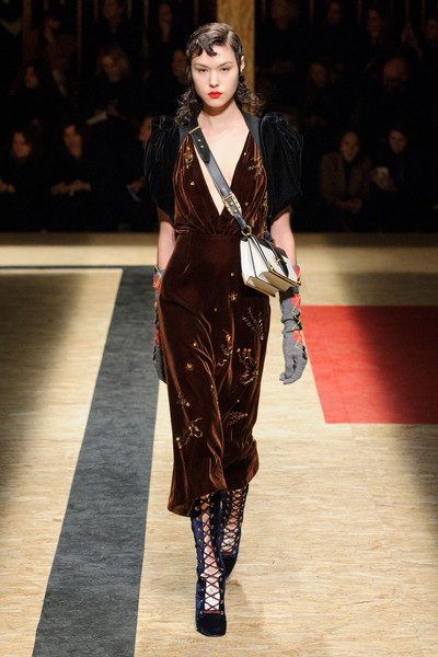Самые красивые образы Недели моды в Милане | галерея [1] фото [10]